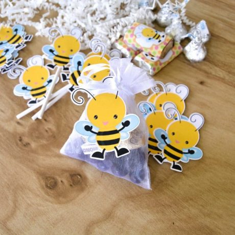 16 Bee Favor Tags, Bee Birthday Decoration, Birthday Bee Tags
